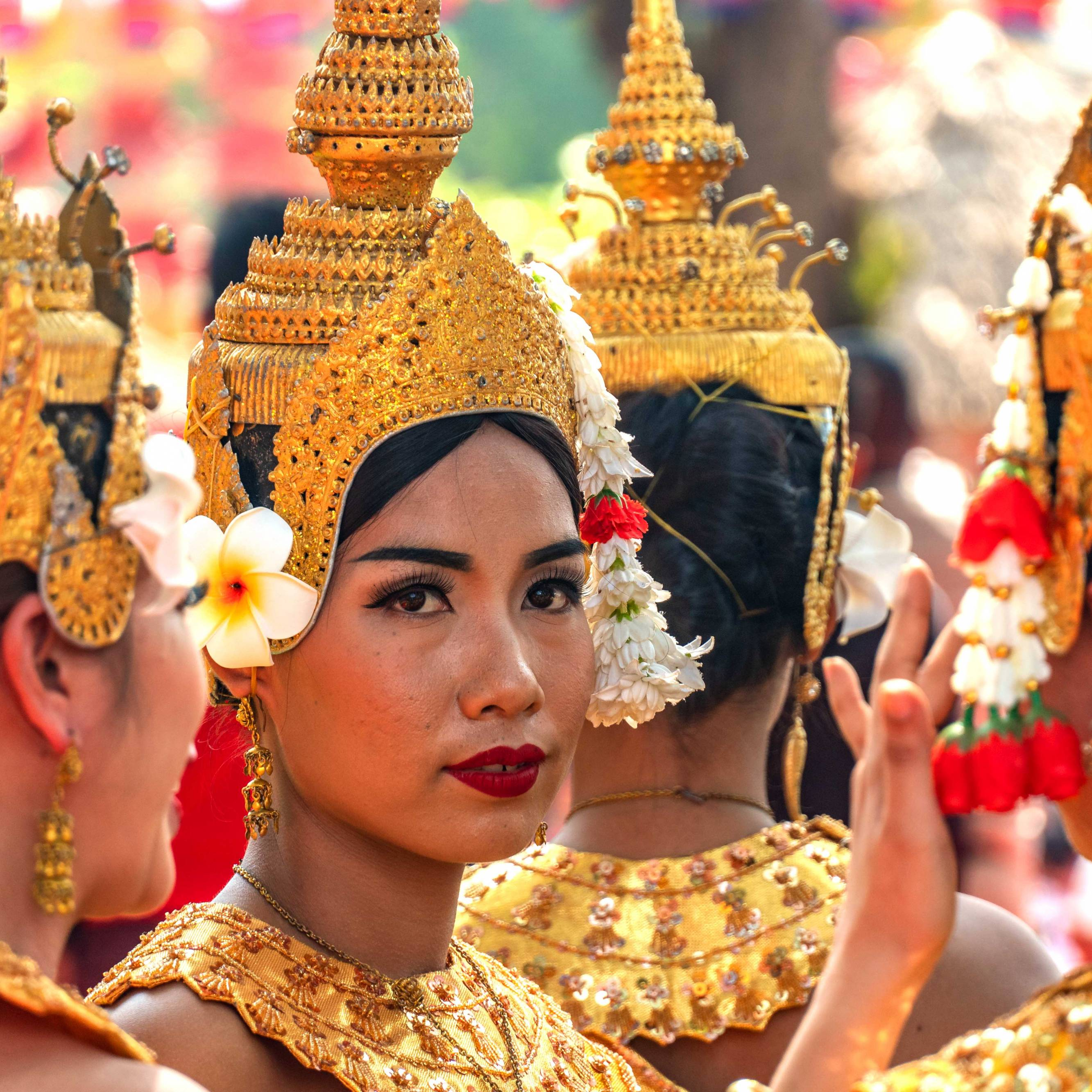 TRADITIONAL DANCERS AT SONGKRAN FESTIVAL